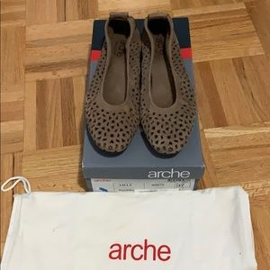 Arche Lilly Flats